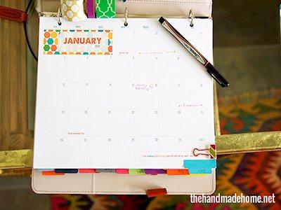 Use binders to make calendars