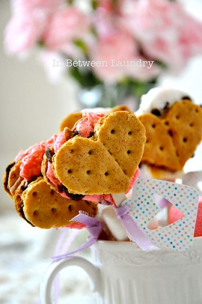 Heart-Shaped S'more Pops