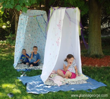 How to Make a Simple Hula Hoop Hideout
